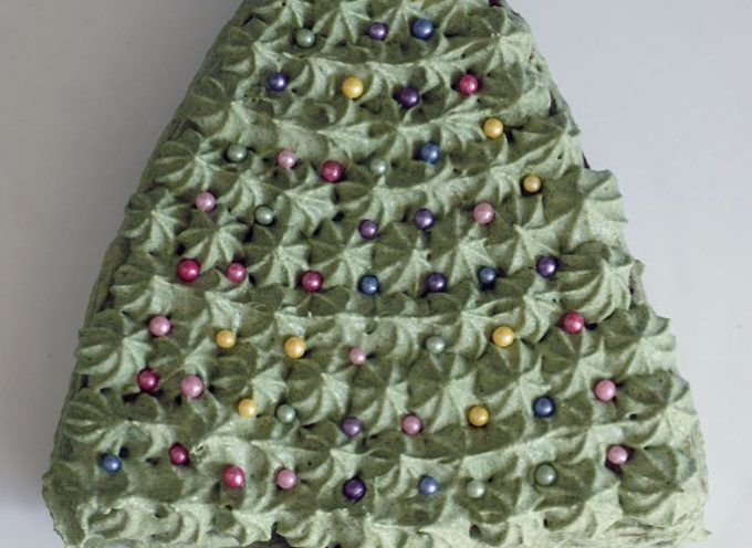 The Healthiest Christmas Tree Cake EVER!